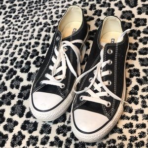 Black converse, lace up!! Their so hip